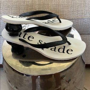 Kate Spade one of a kind Flip flops with heels 9